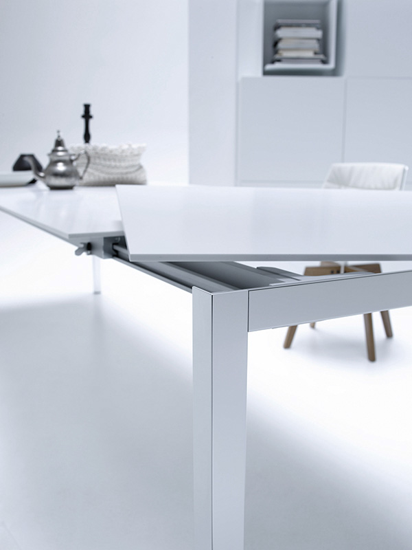 EXT.TABLE rectangular-shaped extendable tables. MDF Italia.