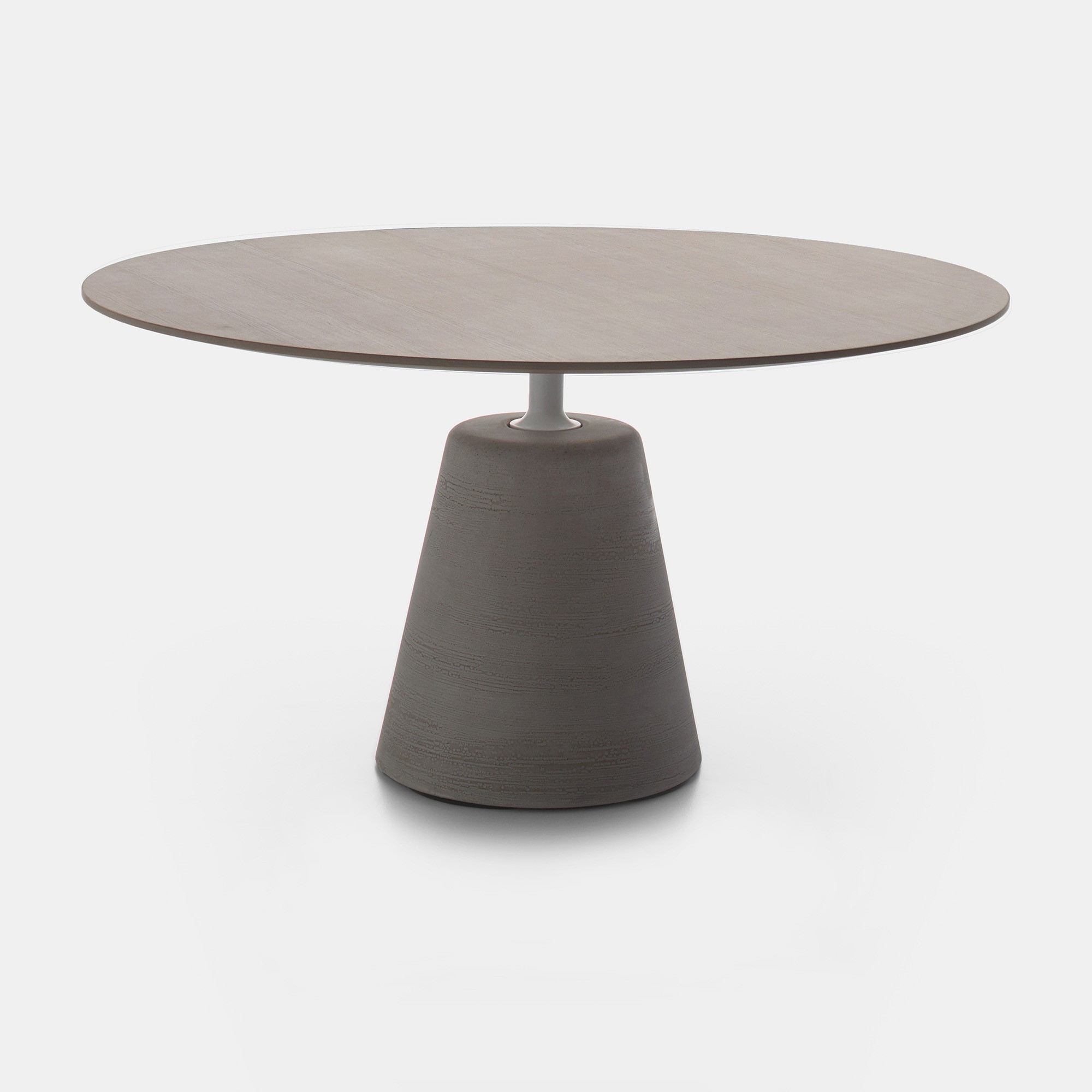 ROCK TABLE. Round-shaped tables, also for outdoor. MDF Italia.