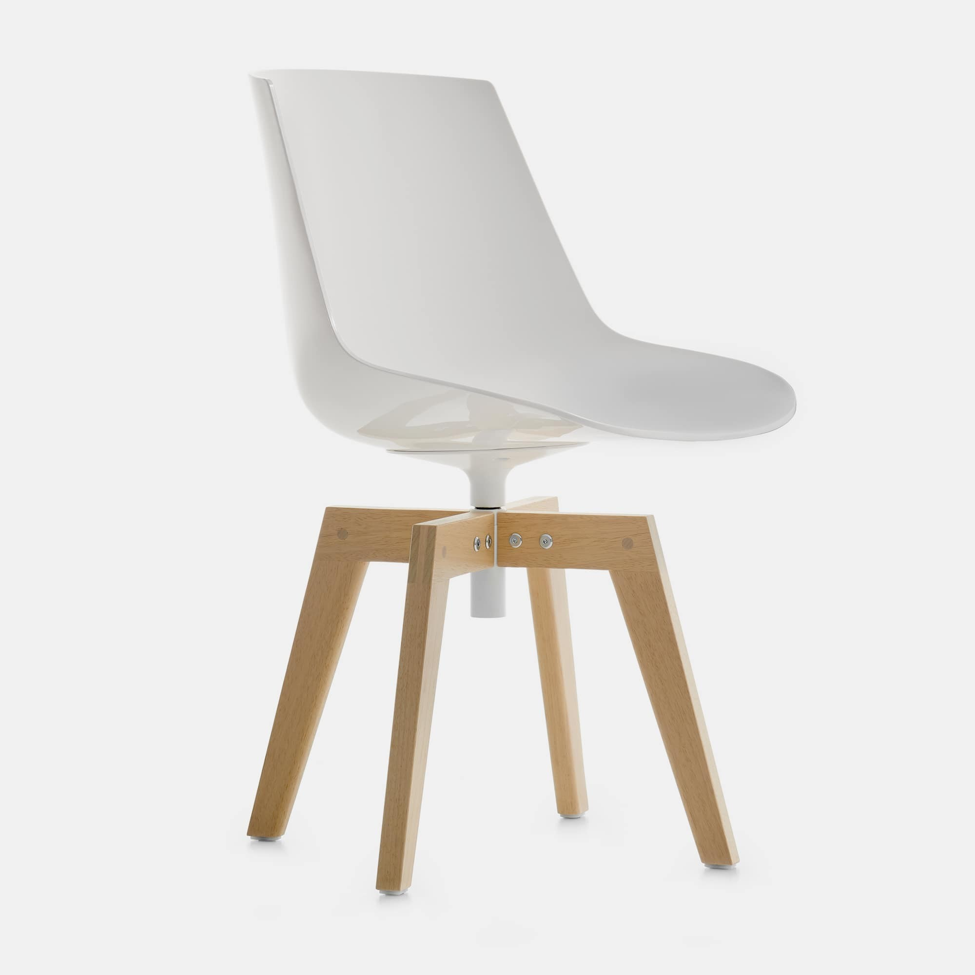 Plastica Stile Giocattoli Vercelli.Flow Chair Iroko Iconic Seat For Outdoor Spaces Mdf Italia