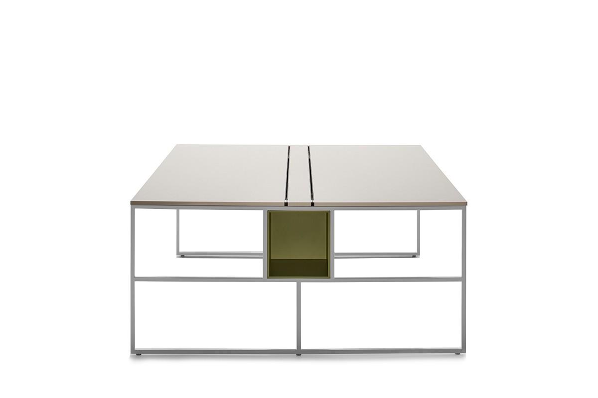 Scrivania dal design elegante e lineare venti with tavoli design famosi - Tavoli design famosi ...