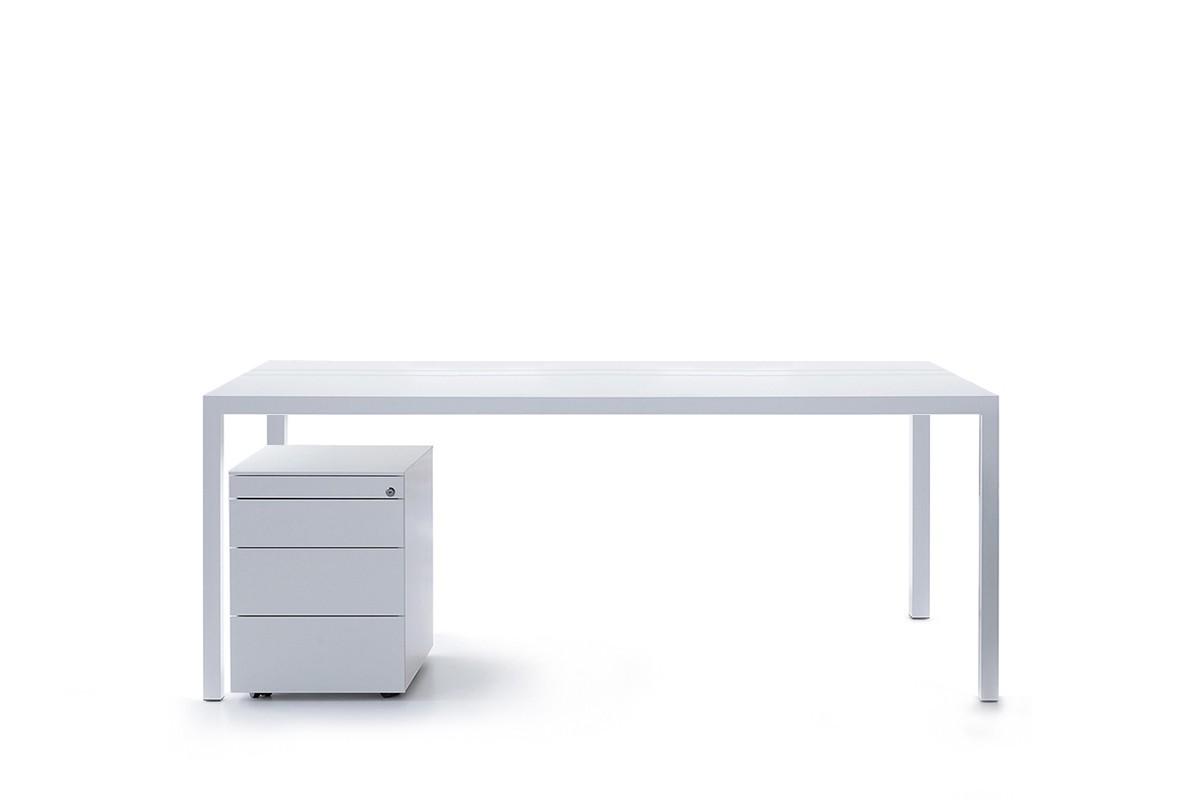 Scrivania Grande Da Ufficio : Mobili ufficio tavoli design scrivanie. mdf italia